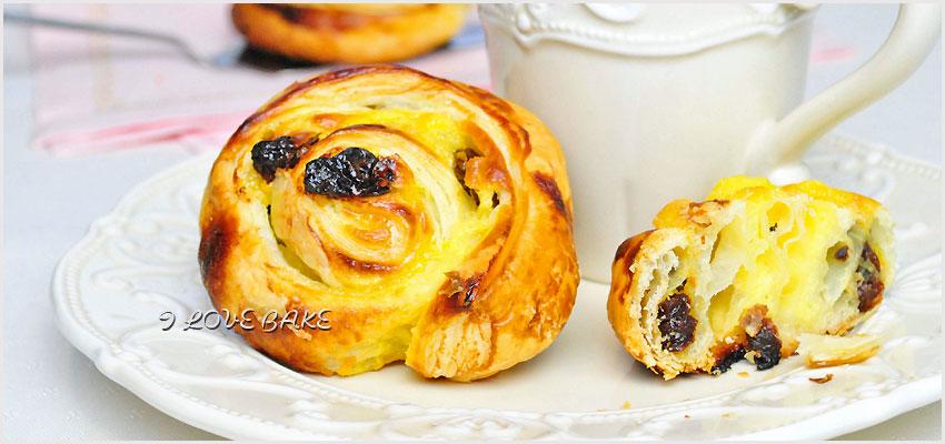 ciastka-francuskie-z-budyniem-i-rodzynkami