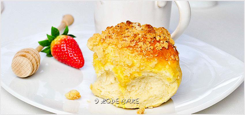 buleczki-drozdzowe-z-kruszonka