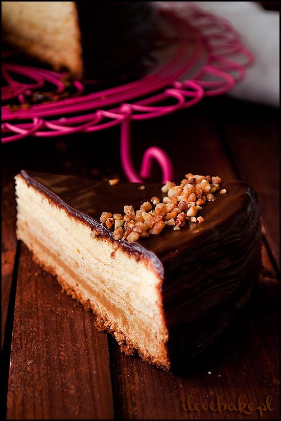 sękacz-z-marcepanem-i-czekoladą-5