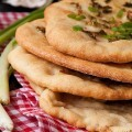 Chlebki NAAN link do wpisu na stronie glownej #naan #bread #diy #garlic #homemade #recipe #food #india #chleb #jedzenie #healthy #foodporn