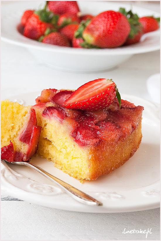 odwrócone-ciasto-z-truskawkami-10