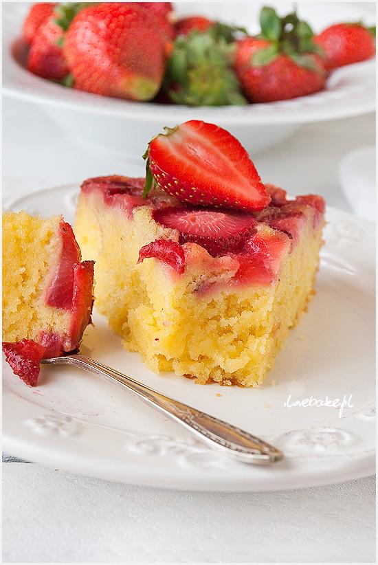 odwrócone-ciasto-z-truskawkami-11
