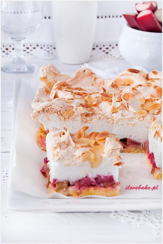 kruche-ciasto-z-rabarbarem-i-bezą-4