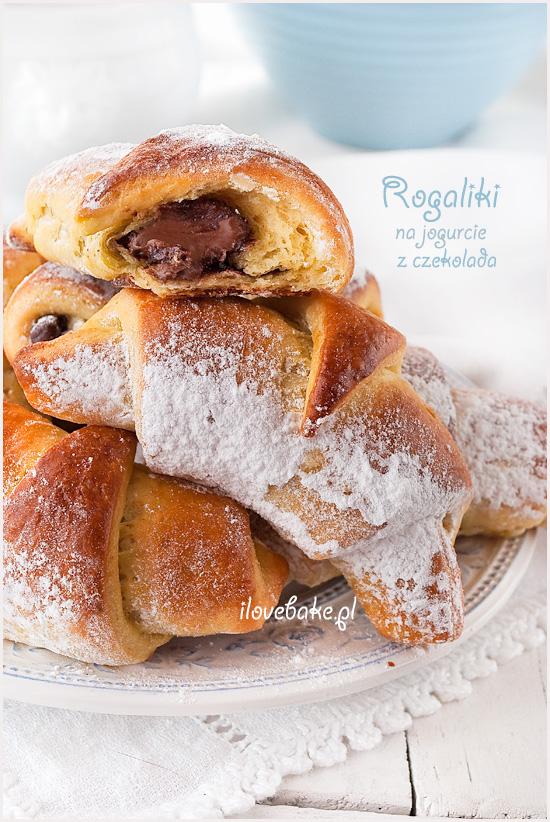 rogaliki-z-jogurtem-i-nadzieniem-czekoladowym-3