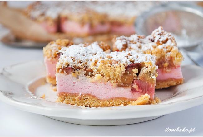 kruche-ciasto-z-rabarbarem