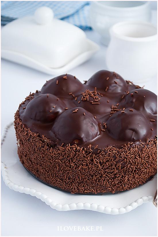 Tort czekoladowy z ptysiami-1