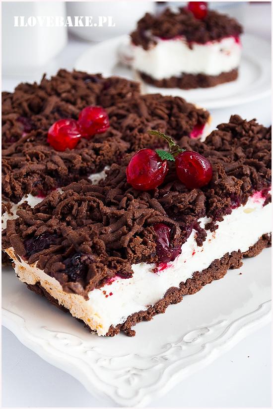 Kruche ciasto z budyniową pianką