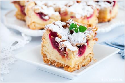 Kruche ciasto z malinami i rabarbarem-7