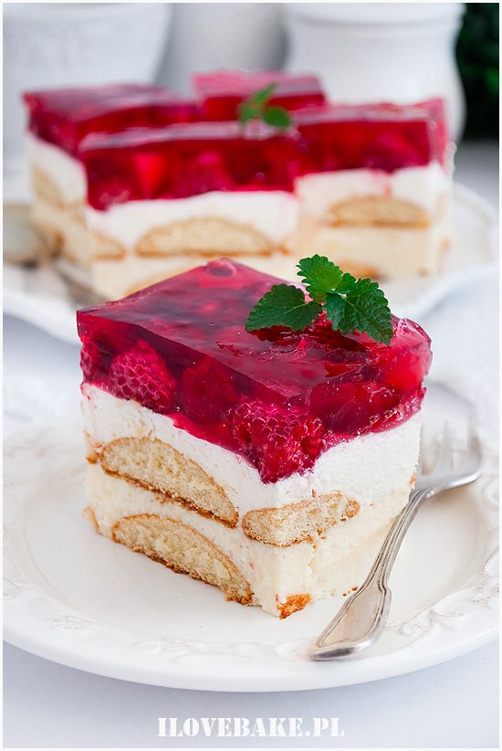Malinowe ciasto z kremem